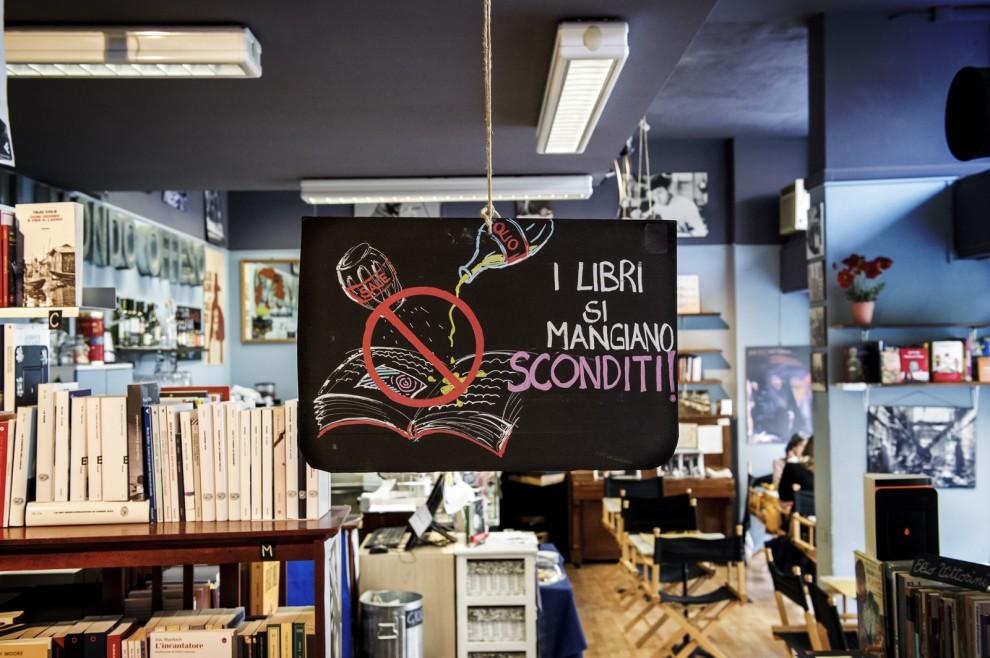 Libreria del Mondo Offeso, via Cesare Cesariano 7, Milano.