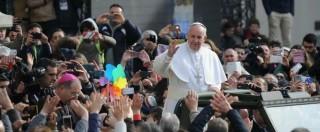 Papa Francesco a Napoli, migliaia di persone per la visita di Bergoglio