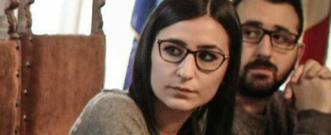 """Pescara, papà della """"baby assessore"""" chiede risarcimento a consigliera 5 Stelle"""