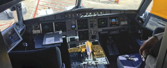 Andreas Lubitz, un pilota avvertì: 'C'è rischio di restare chiusi fuori dalla cabina'