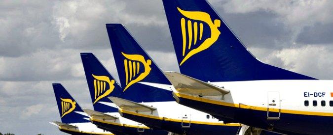 """Ryanair, tagliate altre 34 tratte aeree fino a marzo: """"Coinvolti 400mila passeggeri"""". E annuncia che non comprerà Alitalia"""