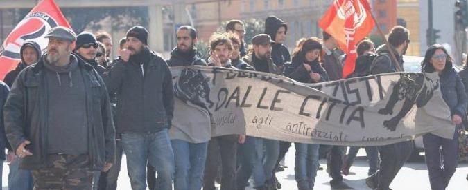 """Genova, Salvini contestato dai centri sociali: """"Fuori la Lega dalla nostra città"""""""