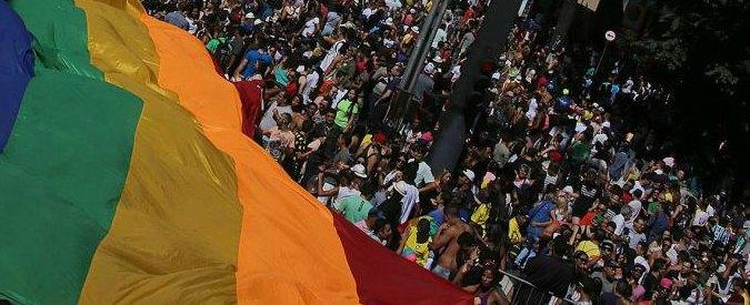 """Brasile, 14enne morto dopo pestaggio a scuola: """"Picchiato perché figlio di gay"""""""