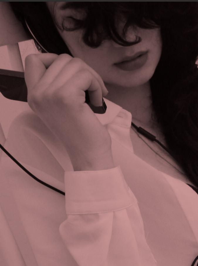 Sexion Privée, messaggi erotici per le donne nel nuovo sito di audio sex toys