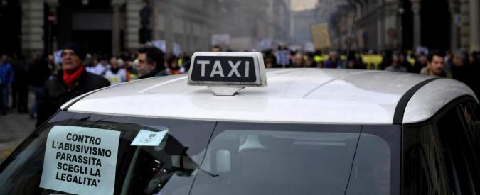 Taxi contro Uber, il caos liberalizzazioni e tutti i motivi della lotta
