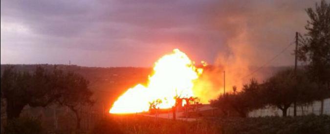 Maltempo, Abruzzo e Molise paralizzati. Incendio a gasdotto a Teramo: 3 feriti