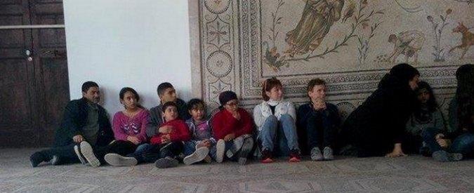 """Tunisi, turisti in ostaggio in un museo: """"Ci sono degli italiani"""". Almeno 8 morti"""