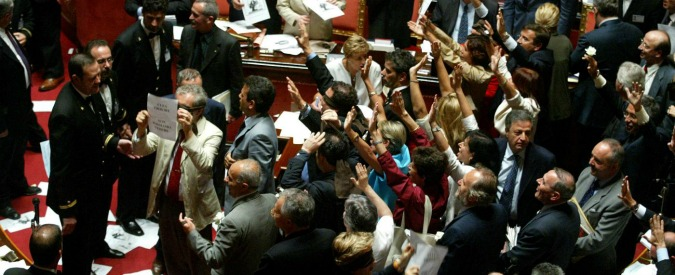 Vitalizi dei parlamentari condannati: otto pareri, centomila euro, nessuna decisione