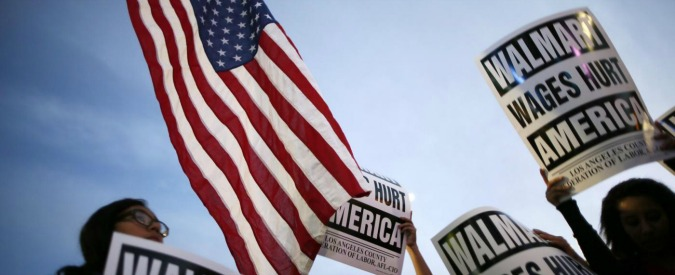 "Usa, svolta ""obamiana"" dei supermercati Walmart: aumentano salari ai dipendenti"