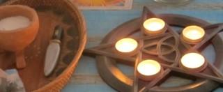 Il culto della 'Wicca' in Italia, le streghe (moderne) son tornate: incantesimi, rituali pagani e danze liturgiche