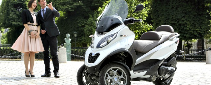 """Piaggio contro Peugeot e Yamaha: """"Copiano lo scooter a tre ruote Mp3"""""""