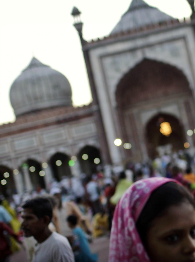 """Sono indiani i bambini più pesanti del mondo, il padre: """"Vendo un rene per salvarli"""""""
