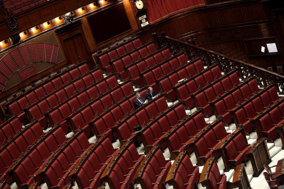Italicum alla camera aula vuota solo 20 deputati per la discussione lettera di renzi c 39 in for Deputati del pd