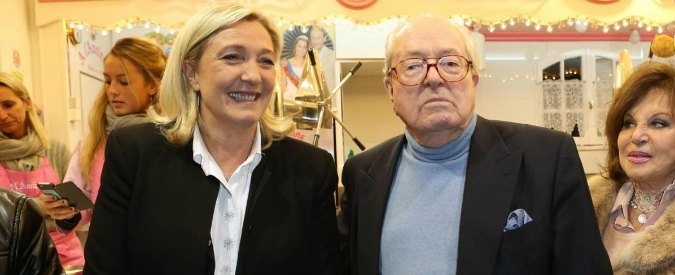 """Jean-Marie Le Pen rinuncia alle Regionali: """"Mi sacrifico per il Front National"""""""