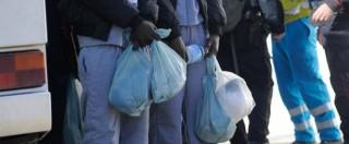 Migranti, i soldi per l'assistenza in case, biglietti e ricariche: due arresti a Napoli