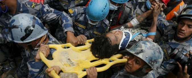 Terremoto in Nepal, tre persone estratte vive dalle macerie dopo 5 giorni