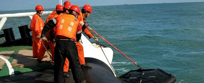 """Russia, affonda peschereccio a largo della Kamchatka: """"54 vittime, 15 dispersi"""""""