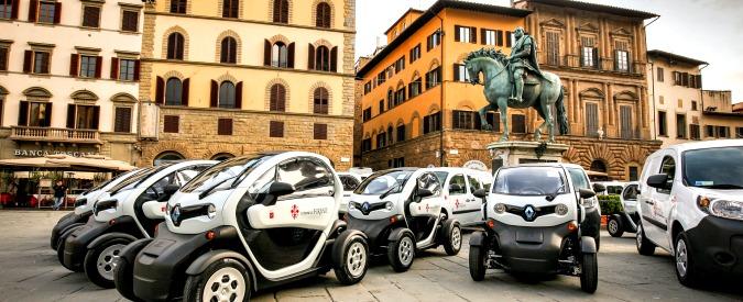 Firenze elettrica, si realizza il sogno di Renzi. Consegnate 70 Renault a batteria
