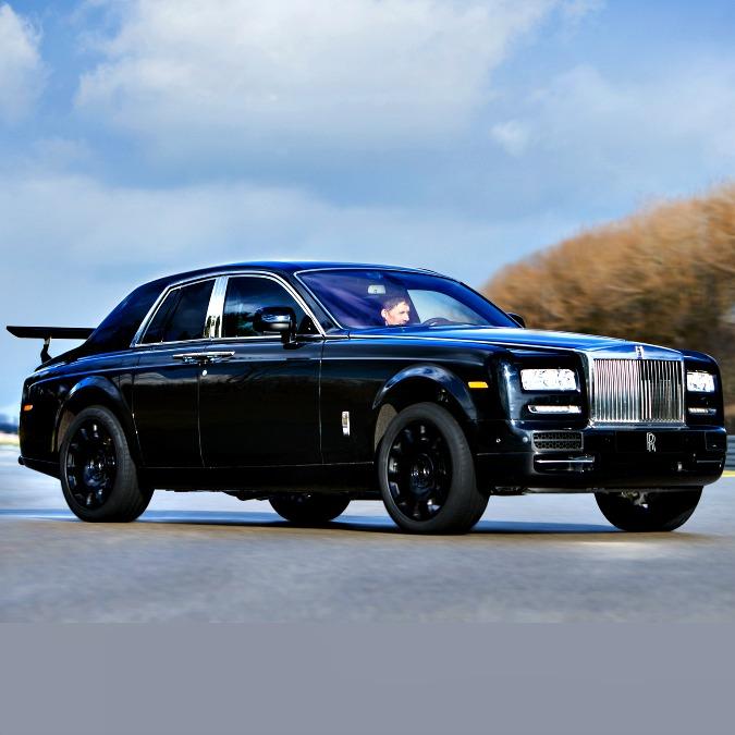Rolls-Royce, ecco il muletto della futura Suv. Per sviluppare il tappeto volante 4×4