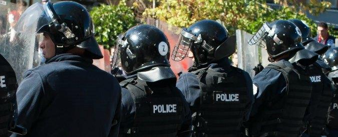 """Bosnia, uomo armato attacca sede della polizia al grido """"Allah è grande"""". 1 morto"""