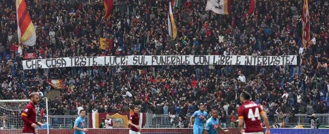 """Roma-Napoli, striscione contro madre di Esposito. Lei: """"Dio cambi cuori dei tifosi"""""""