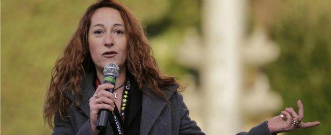 """M5S, candidato Pd vs Paola Taverna: """"E' una zoccola, grillini sanno solo offendere"""""""