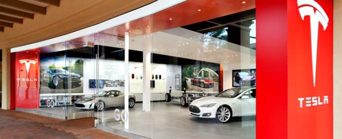 """Tesla, in California scoppia la polemica sugli incentivi alle elettriche """"dei ricchi"""""""