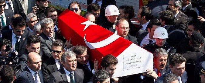 """Turchia, media: """"4 giornali d'opposizione indagati per propaganda terrorista"""""""
