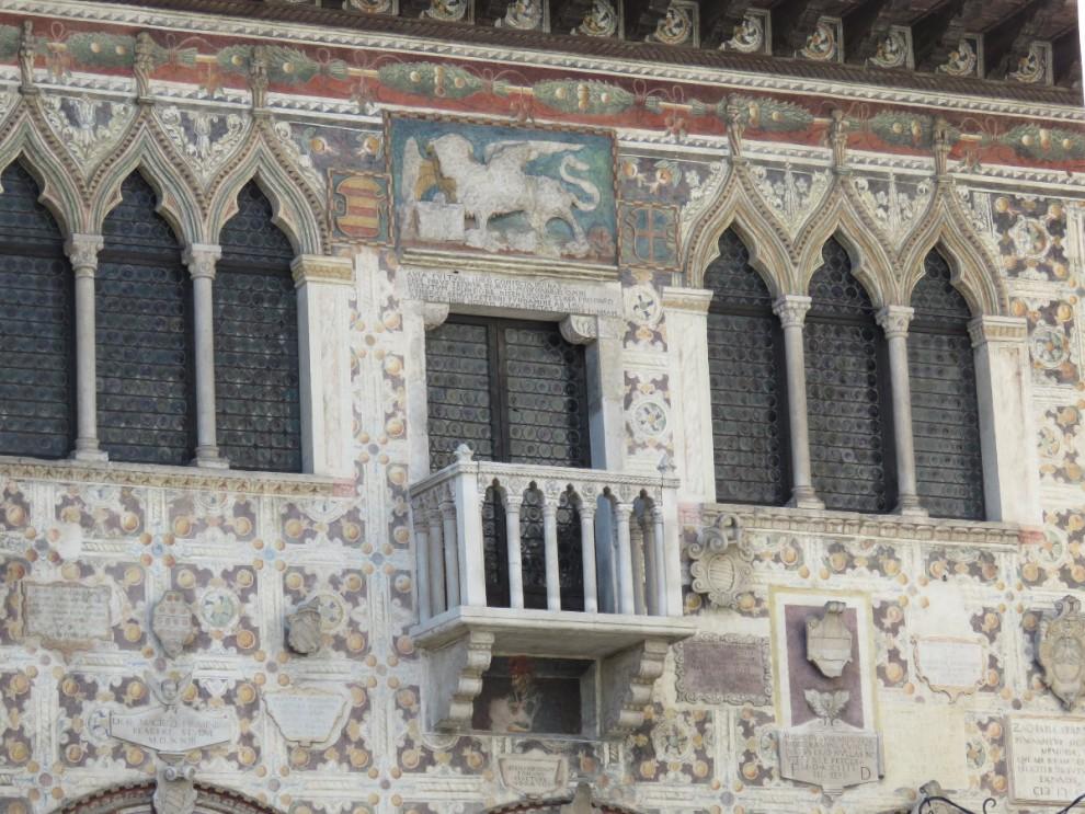 Particolare di un palazzo storico