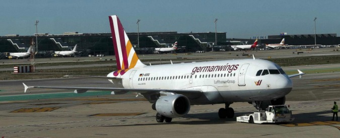 Germanwings, donna si finge parente di una vittima e vola gratis in Francia