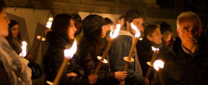 Terremoto dell'Aquila, fiaccolata per ricordare le 309 vittime del 2009