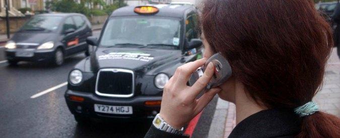 Londra, la app Maaxi sfida Uber coi taxi condivisi. Così i clienti risparmiano