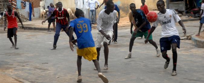 Migranti anche nel calcio: 15mila pagano per la (falsa) promessa di giocare in Ue