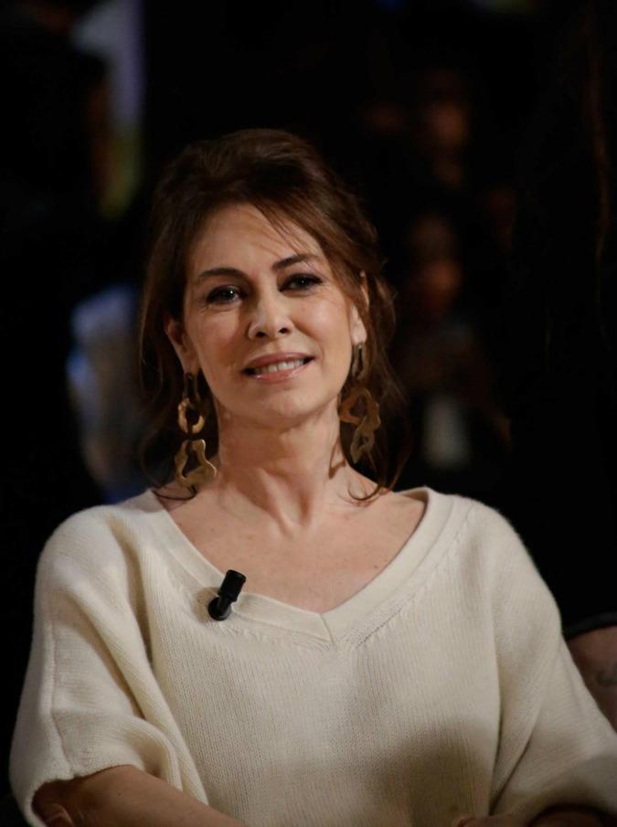 """Elena Sofia Ricci: """"Ora che mia madre è morta posso parlare con libertà. A dodici anni sono stata abusata"""""""