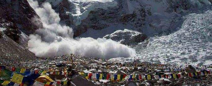 Terremoto in Nepal, sull'Everest nuova valanga. Tre italiani ancora bloccati