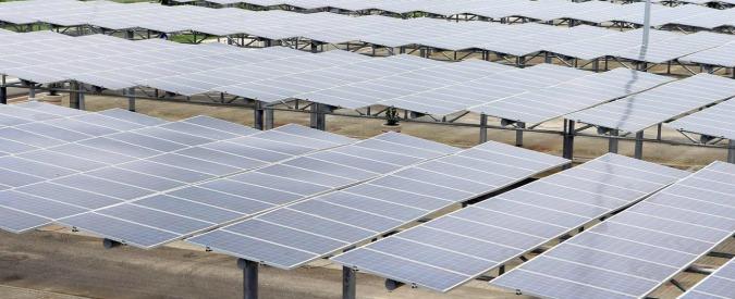 """Fotovoltaico, Commissione Ue proroga dazi su pannelli cinesi per 15 mesi. Gruppo Trina risponde con """"rappresaglia"""""""