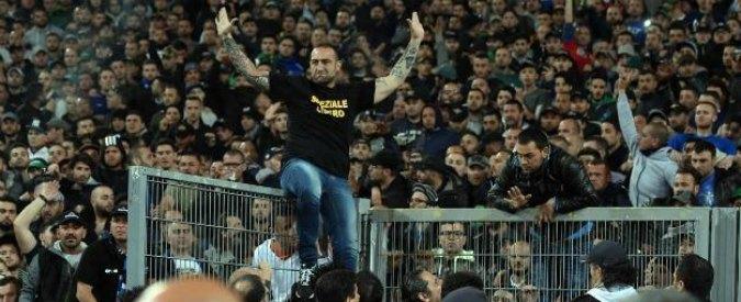 Napoli, Genny 'a carogna si costituisce a Secondigliano dopo 24 ore di latitanza