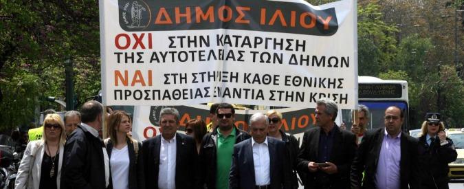 """Grecia, Tsipras: """"Sì a referendum su condizioni per accordo con i creditori"""""""