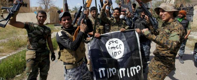 "Tikrit, scoperte fosse comuni. ""Sepolti i 1700 soldati iracheni uccisi dall'Isis"""