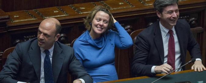 Lotta al fumo: priorità per il ministro Lorenzin, ma il suo partito rema contro
