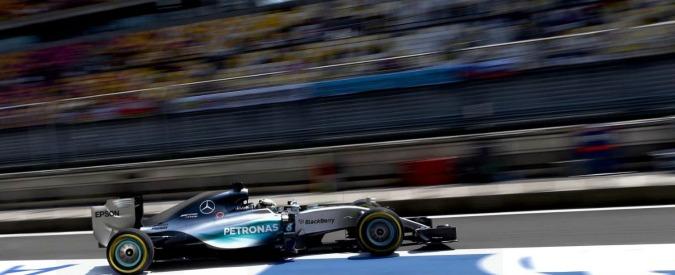 F1, Gp Cina: prima fila tutta Mercedes. Hamilton e Rosberg in testa, Vettel terzo