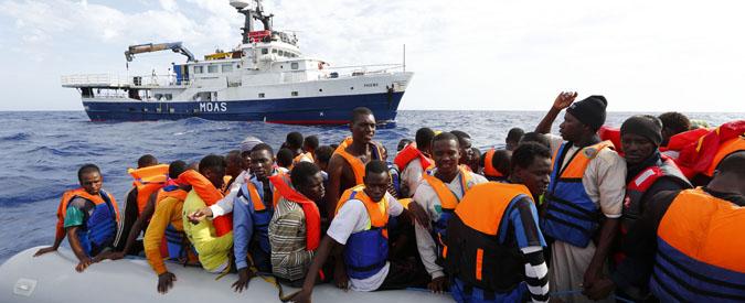 """Migranti, Moas sospende i salvataggi: """"Firmammo il codice di condotta, ma non è chiaro cosa succede in Libia"""""""