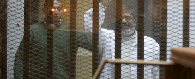 Egitto, Morsi condannato a morte: organizzò evasione di massa nel 2011