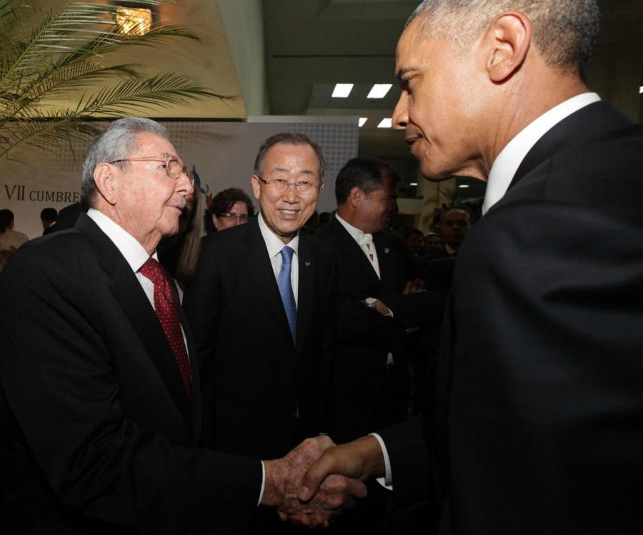 11 aprile 2015, presidente Usa Barack Obama e leader cubano Raul Castro. Summit delle Americhe a Panama