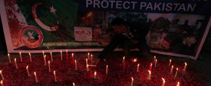 """Pakistan, a 14 anni bruciato vivo da coetanei: """"Aggredito perché cristiano"""""""