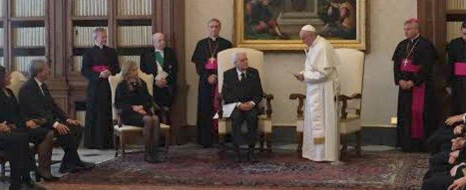 """Papa Francesco riceve Mattarella: """"Si riconosca ruolo della religione nella società"""""""