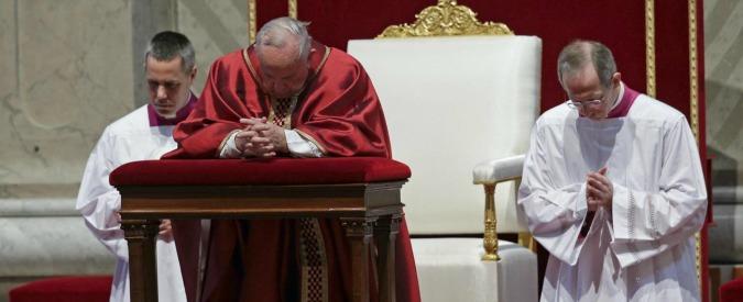 Via Crucis, Papa Francesco prega per i cristiani perseguitati e uccisi nel mondo