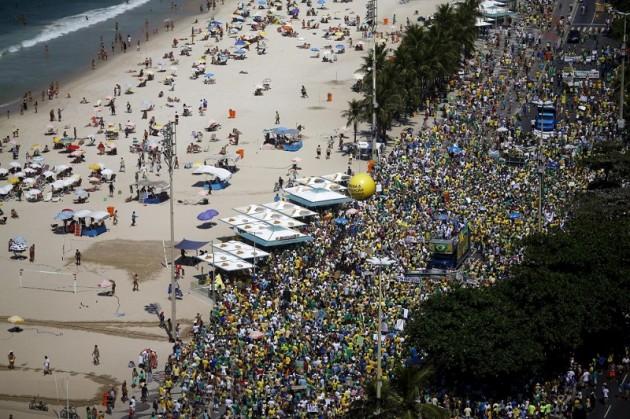 Brasile, tutti in piazza per manifestare contro Dilma Rousseff