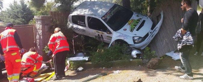 Rally, auto si ribalta su spettatori della corsa dell'Elba. Due feriti, uno grave