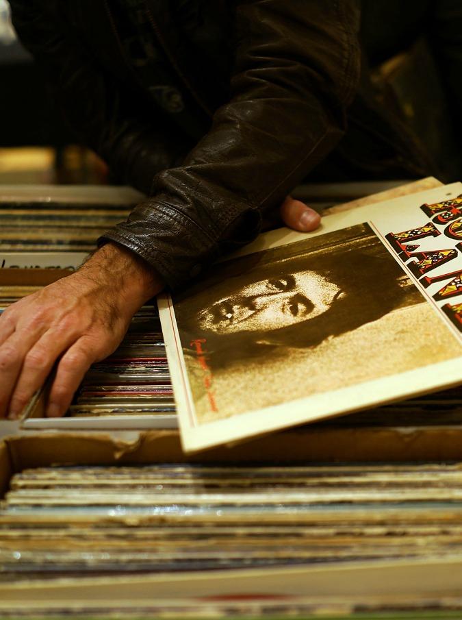 Record Store Day, la 'festa' dei negozi di dischi indipendenti: Dave Grohl testimonial di quest'anno